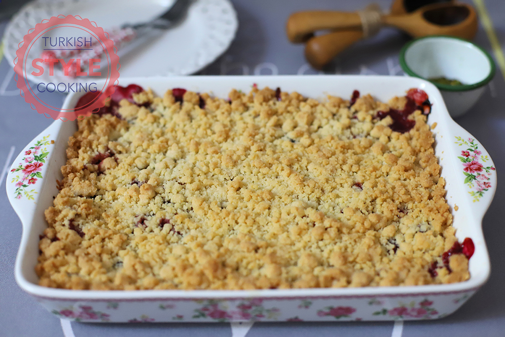 Apricot and Black Mulberry Crumble Recipe