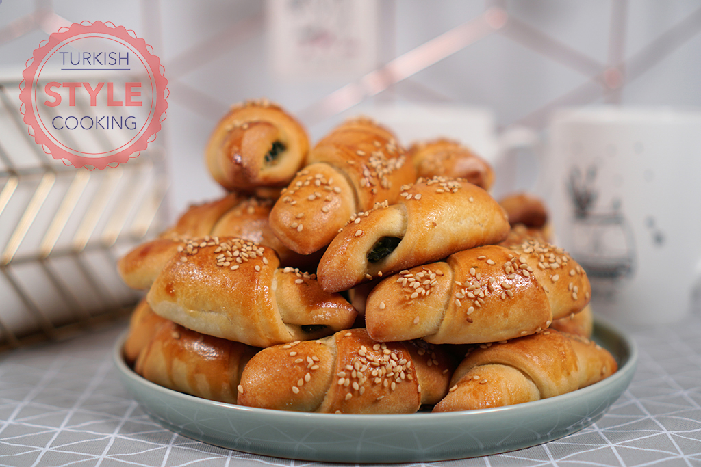 Spinach Pastry Rolls Recipe