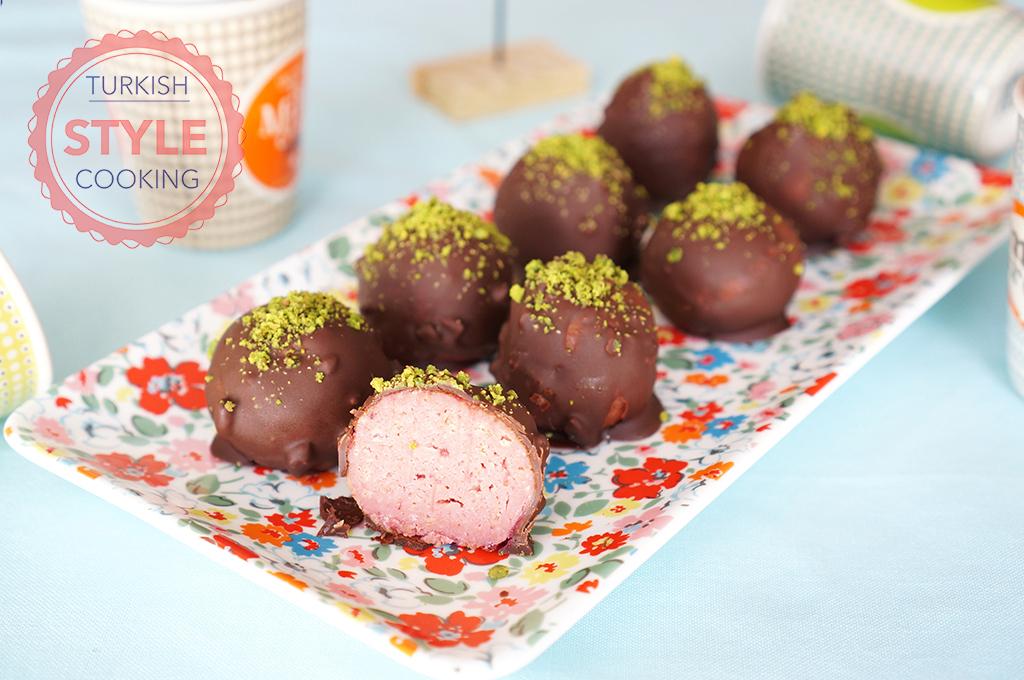 Strawberry Biscuit Balls Recipe