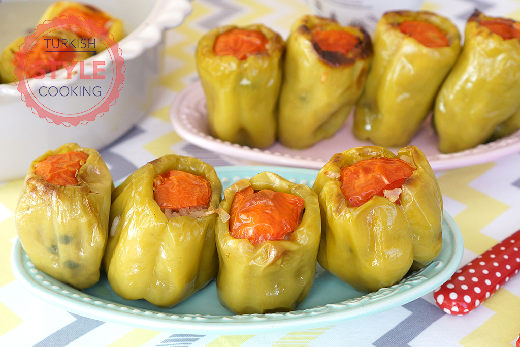 Baked Olive Oil Green Pepper Dolmas Recipe