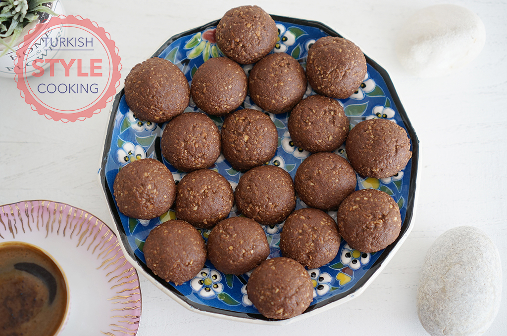 Chocolate And Hazelnuts Cookies