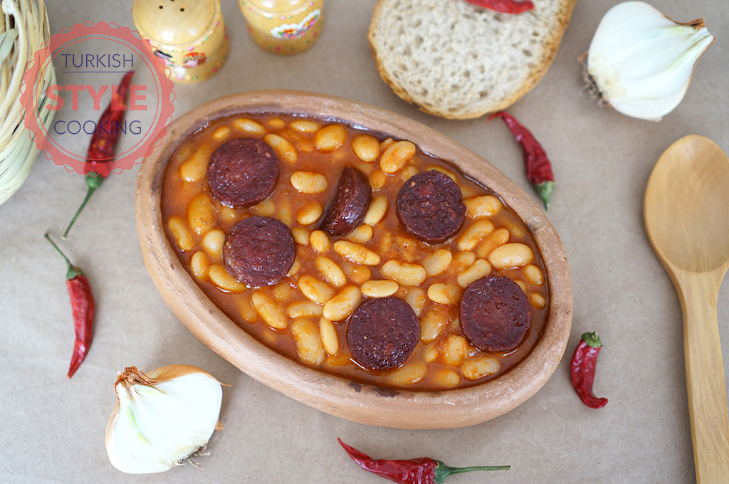 Traditional Beans With Pepperoni