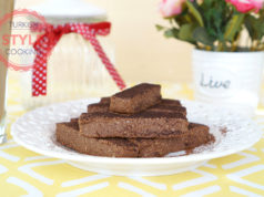 Chocolate And Hazelnuts Cookie Bars