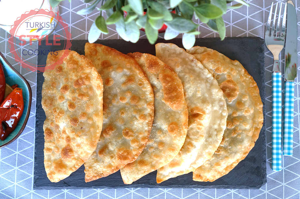 Fried Ground Meat Börek (Çiğ Börek) Recipe