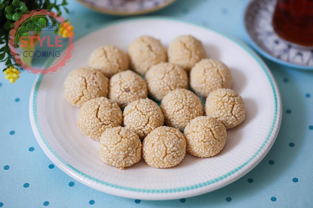 Savory Walnut Cookies
