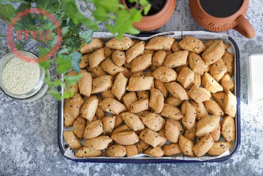 Beypazarı Kurusu With Sesame and Black Cumin Seeds
